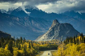 Beautiful autumn colors on Glennallen Highway