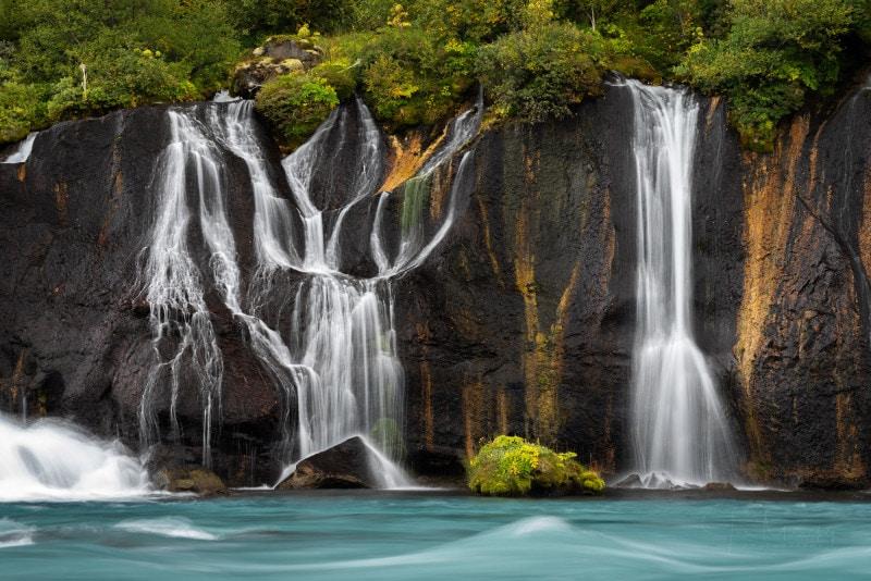 Barnafoss, Hraunfossar waterfall